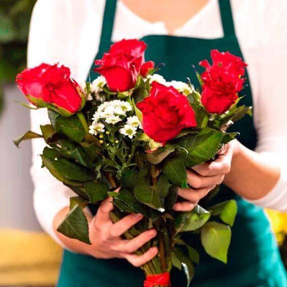 Цветы курьером в петербурге